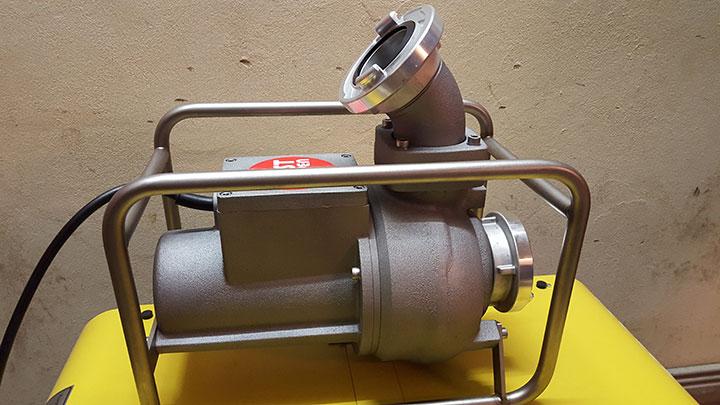 Stromerzeuger und Schmutzwasserpumpe für Feuerwehr 1