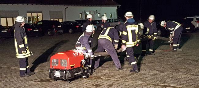 Feuerwehrübung am 6. März: Saugschlauchkuppeln