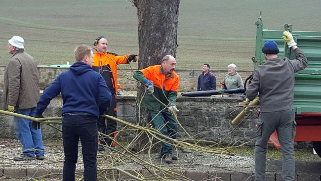 Rund 15 Ransweiler Bürger arbeiteten Hand in Hand