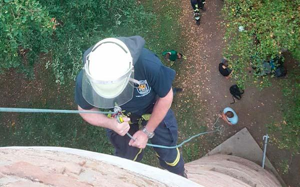 Feuerwehr übt für Höhenrettung