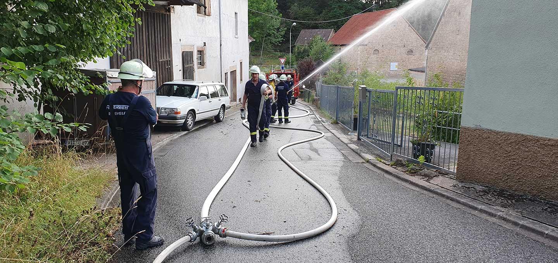 Insgesamt 3 Rohre bauten wir für die Brandbekämpfung auf.