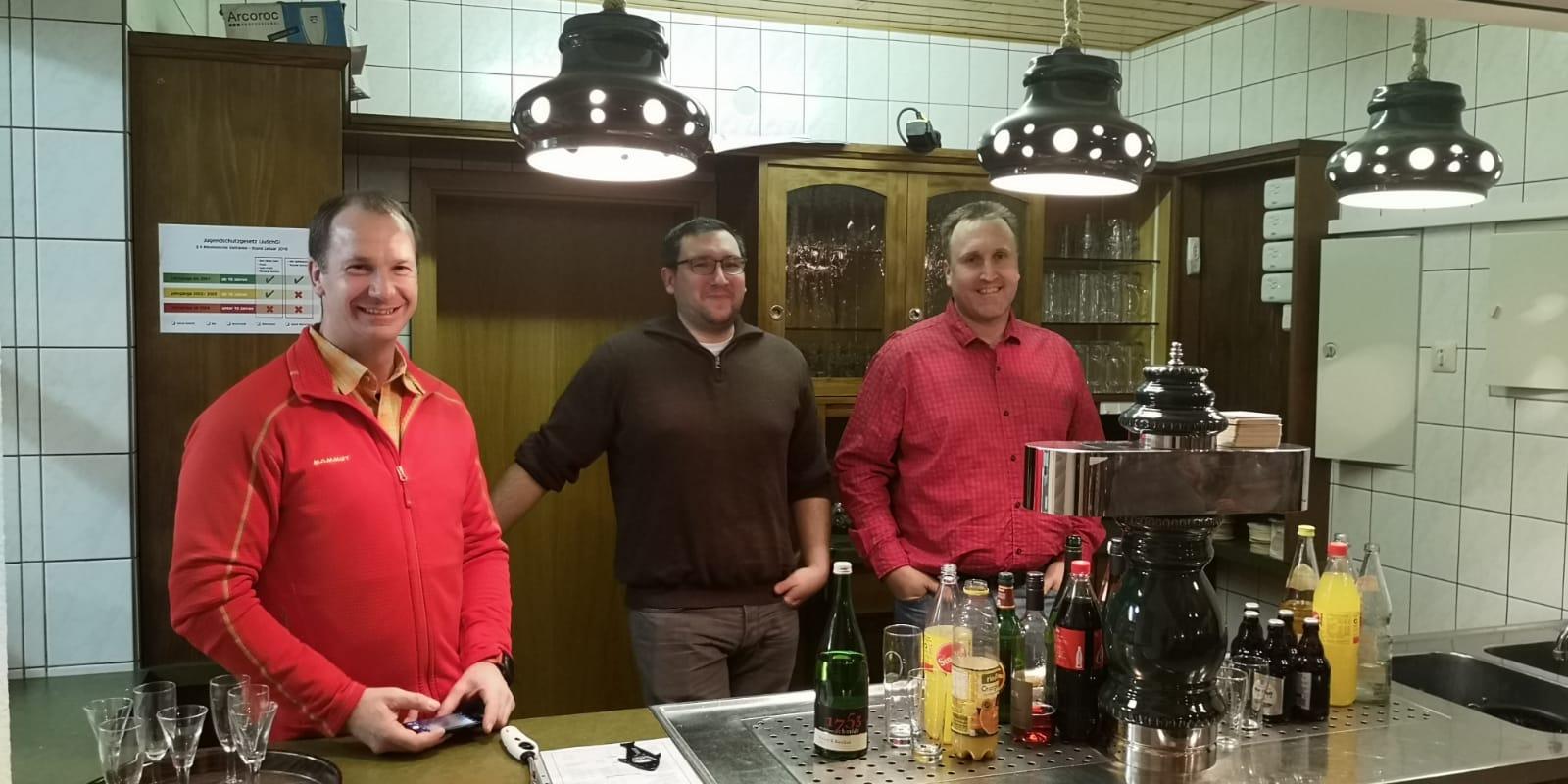 Die Mannschaft hinterm Tresen (v.l.): Gerd Schappert, Stefan Horter, Timo Sundheimer.